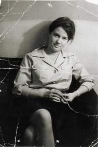 Η Μάινχοφ ως νεαρή δημοσιογράφος